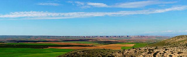 * Panoramablick über's Tal *