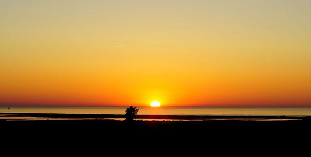 näher ran: Sonnenaufgang über dem Mittelmeer