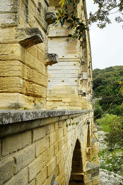 Pont du Gard, noch eine Stufe höher