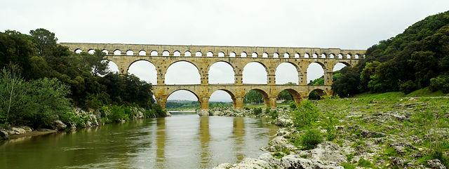 * Pont du Gard sans Bonhomme *