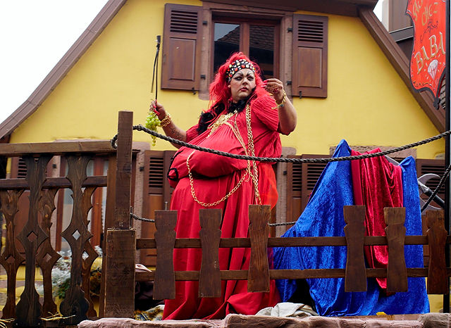 Pfifferdaj ~ die Baba ~ gewaltiges Frauenzimmer