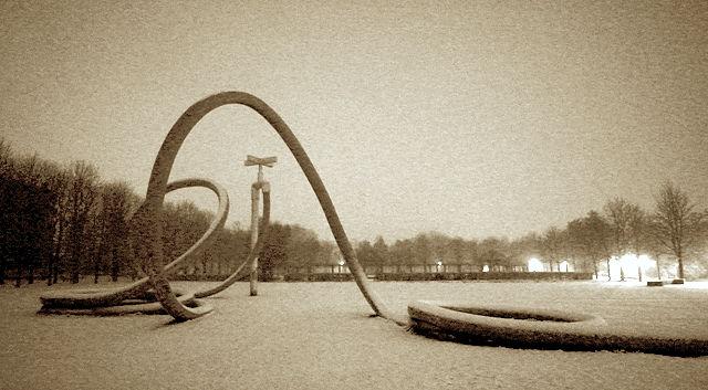 Nacht & Schnee & Gartenschlauch