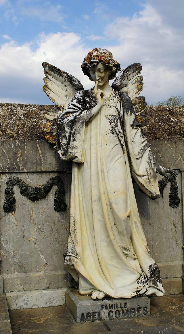 was denkt sich der Engel?