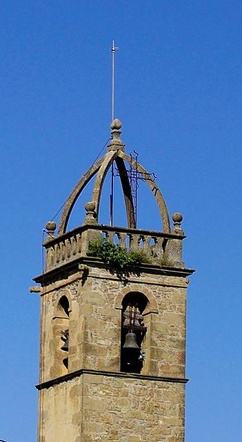 Sant Andreu de Linya, Turm mit offenem Kreuzbogen