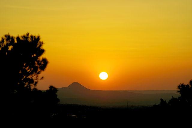 Sonnenuntergang über Serós-tossals de Montmeneu