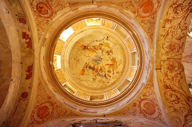 Ermita Magdalena ~ Blick nach oben ~ Kuppel mit Fresken
