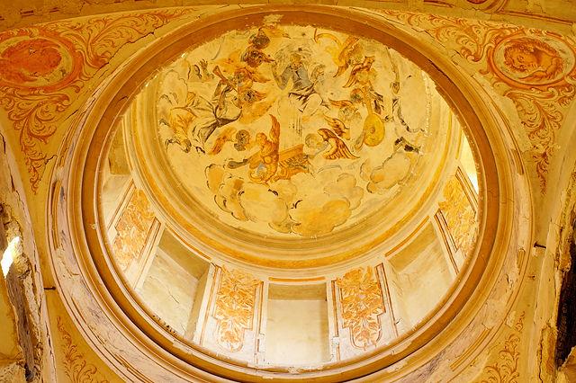 * Ermita Magdalena ~ Blick nach oben ~ Kuppel mit Fresken *