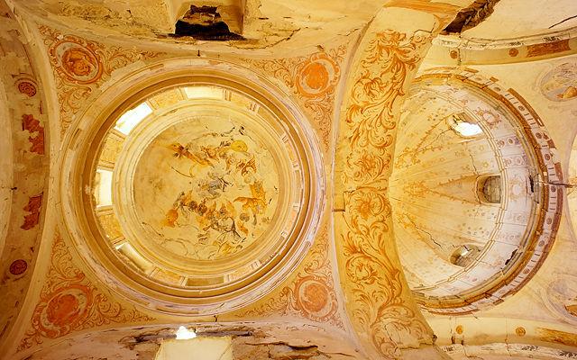 * Ermita Magdalena ~ Blick nach oben ~ Kuppeln mit Fresken *