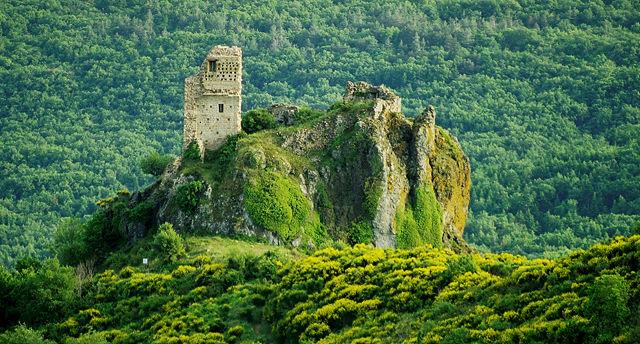 die Burg vom Platz im Nirgendwo gesehen