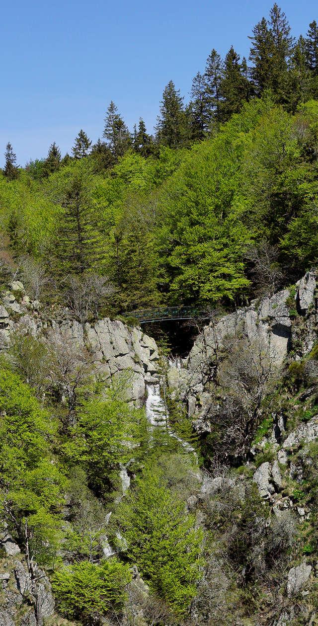 Cascades d'Orgon ~ der obere Teil ~ das erste Bild entstand von der oben zu sehenden Brücke