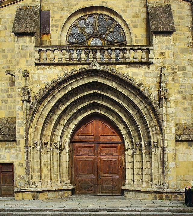 Sury Le Comptal ~ L'église Saint-André ~ Portal