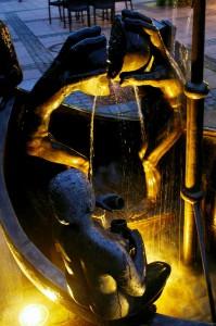 Narrenbrunnen in Neuenburg ~ Detail