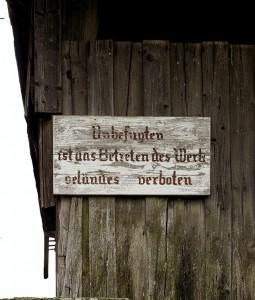 Betreten des Betriebsgeländes strengstens verboten!