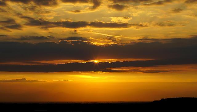 die Freiheit, einen ungestörten Abendhimmel zu betrachten . . .