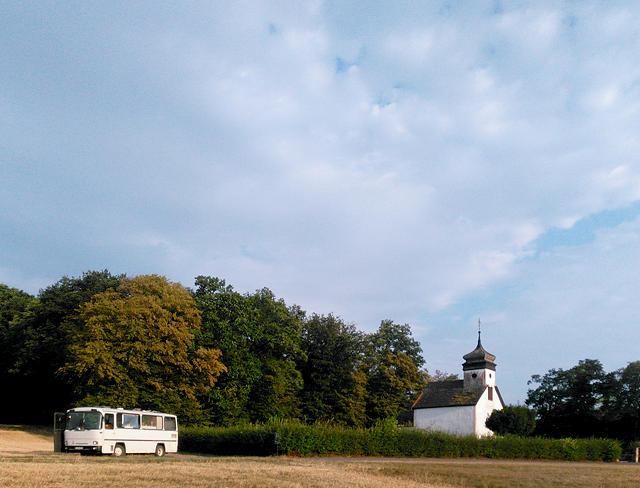 der alte Herr Magirus mit Kapelle und Waöd ~ nicht sichtbar, aber vorhanden Reh und Hase