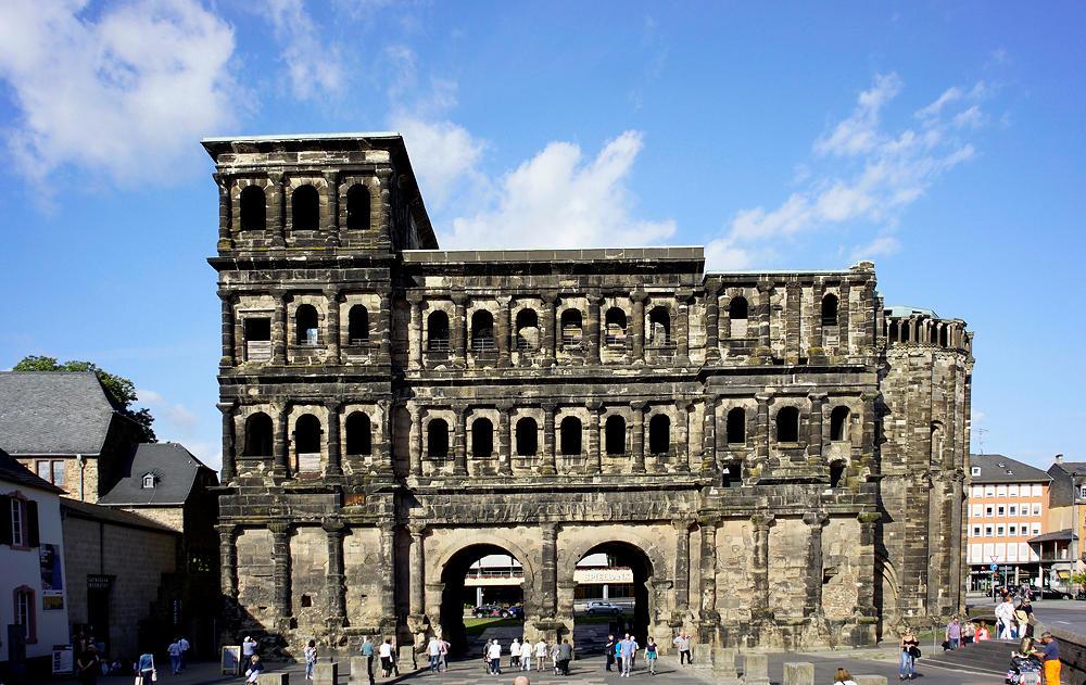 Trier ~ Porta Nigra