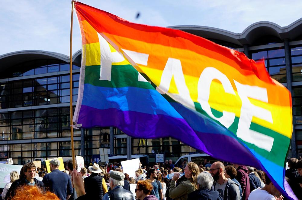 die Regenbogenflagge ~ PEACE!