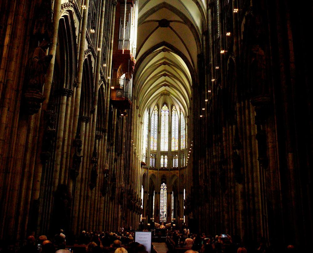 Dom zu Köln ~ innen ~ Raum!