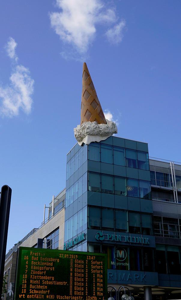 ein Eis essen in Köln ~ und das Problem mit der Größe :)
