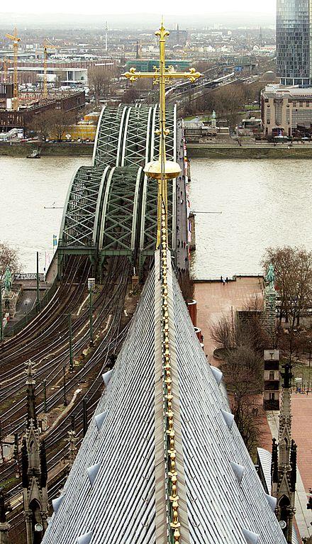 Achse Kölner Dom ~ Hohenzollernbrücke ~ Quelle Wikipedia