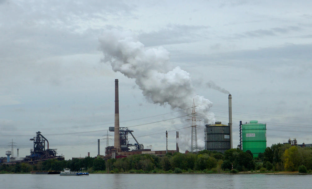 Dampf ablassen ~ Hüttenwerke Krupp Mannesmann Duisburg