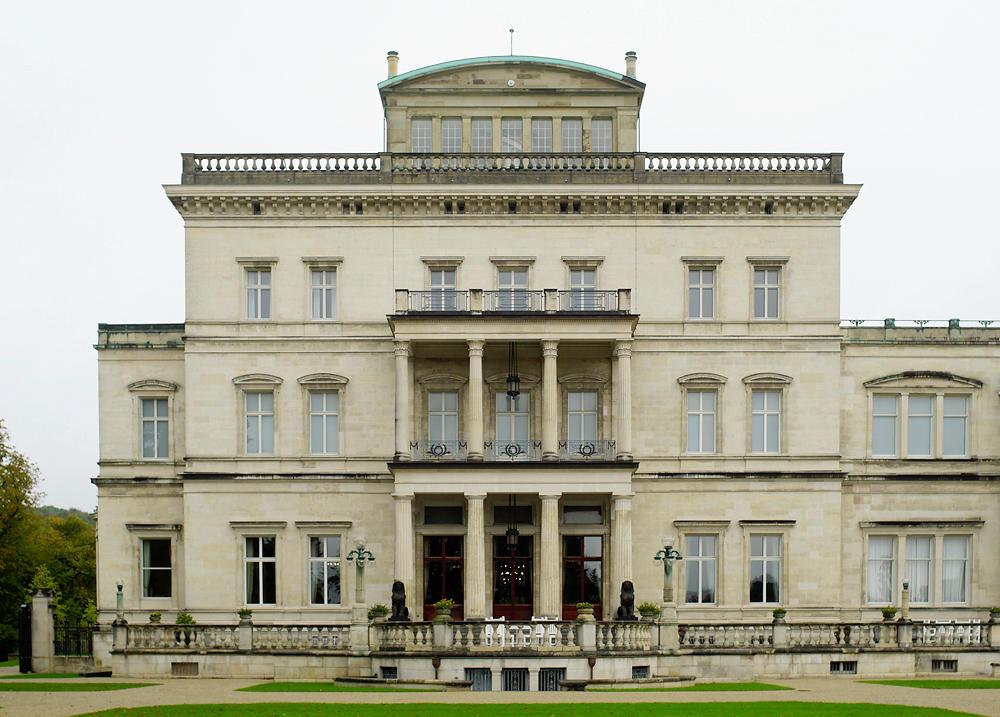 Kruppsche Villa Hügel, von der Südseite aus, Hauptflügel