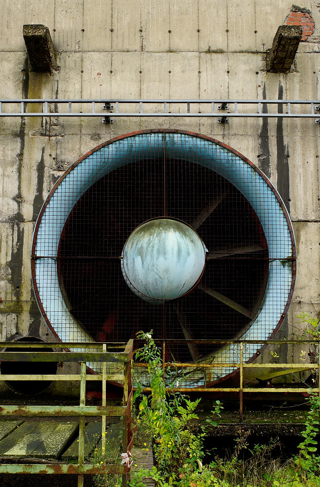 Kühlblöcke mit riesigen Ventilatoren