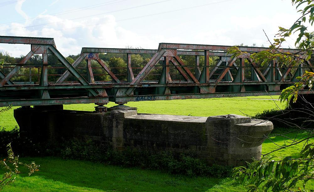 stillgelegte Bahnbrücke über die Ruhr bei Dahlhausen