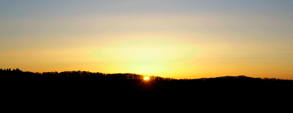 das Schöne ist, daß auch in diesen Zeiten die Sonne aufgeht :)
