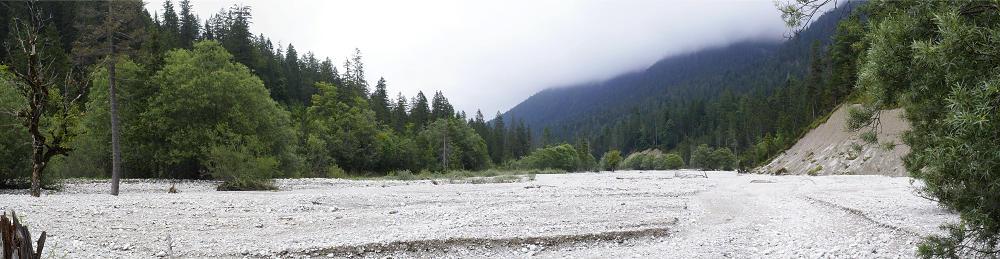 * im Flussbett der Linder ~ wenn da zur Schneeschmelze das Wasser herunterrauscht *