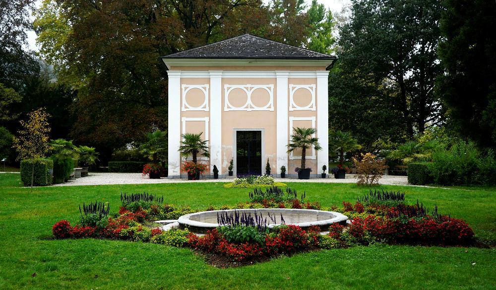 Pavillon im Stiftspark des Wilheringer Klosters